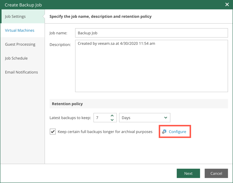 """Neu ist die Option """"Keep certain full backups longer for archival purposes"""", welche die längere Aufbewahrung von Full-Backups erlaubt und mit """"Configure"""" konfiguriert wird."""